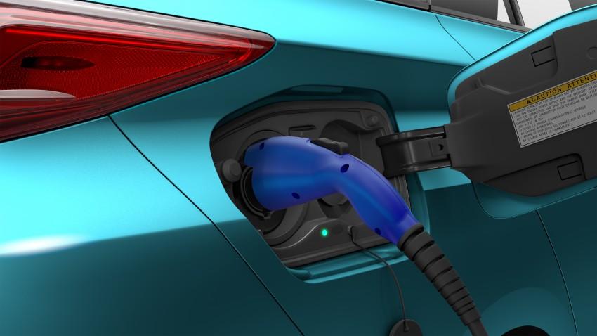 2017 Toyota Prius Prime plug-in hybrid – 1.4 l/100 km! Image #465591