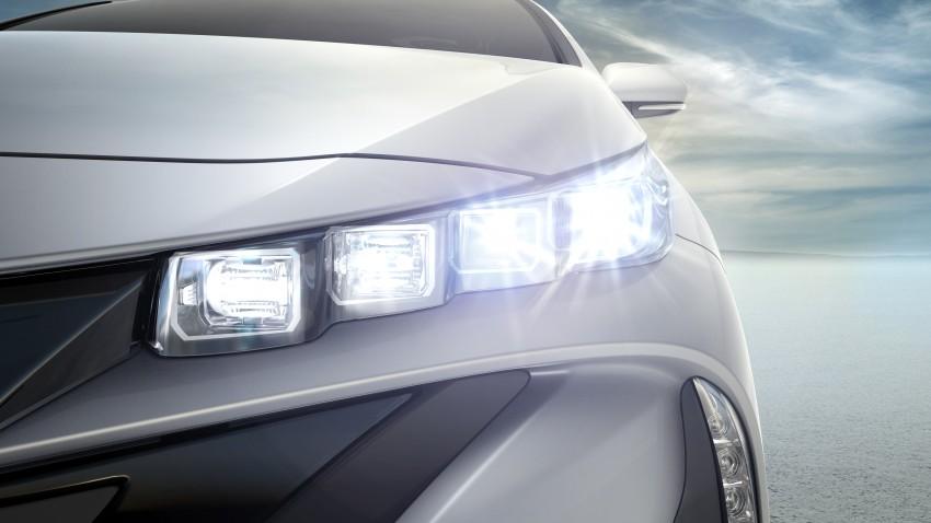 2017 Toyota Prius Prime plug-in hybrid – 1.4 l/100 km! Image #465588