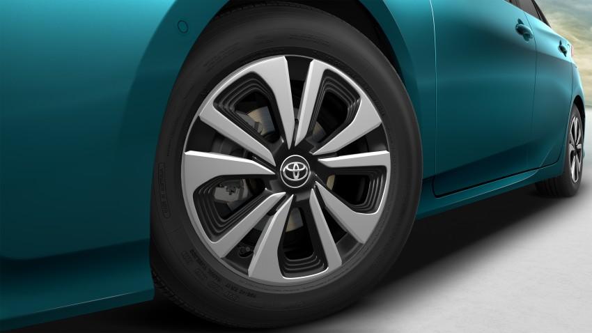 2017 Toyota Prius Prime plug-in hybrid – 1.4 l/100 km! Image #465576