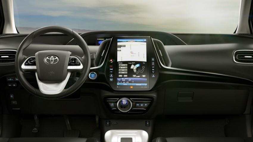 2017 Toyota Prius Prime plug-in hybrid – 1.4 l/100 km! Image #465561