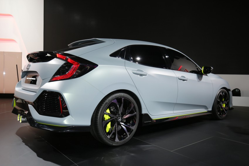 Honda Civic Hatchback Prototype goes live in Geneva; early 2017 launch for Europe, US market to follow Image #454430