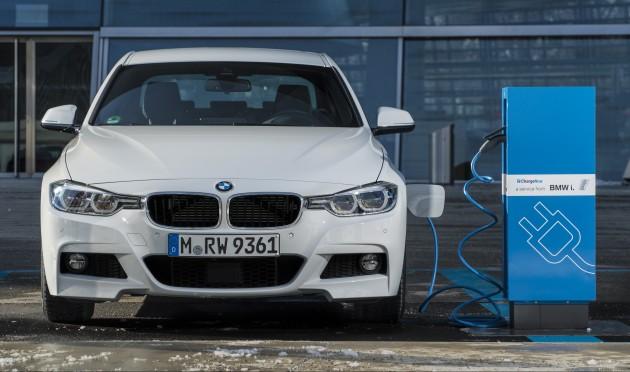 BMW-330e-iPerformance-0002