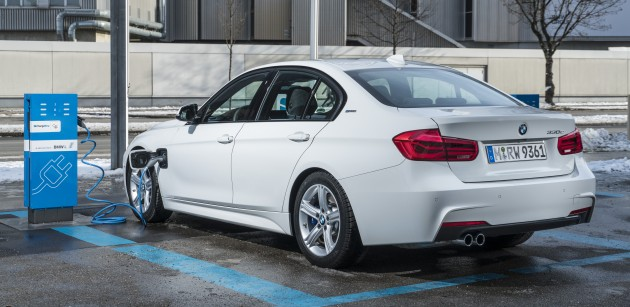 BMW-330e-iPerformance-0004