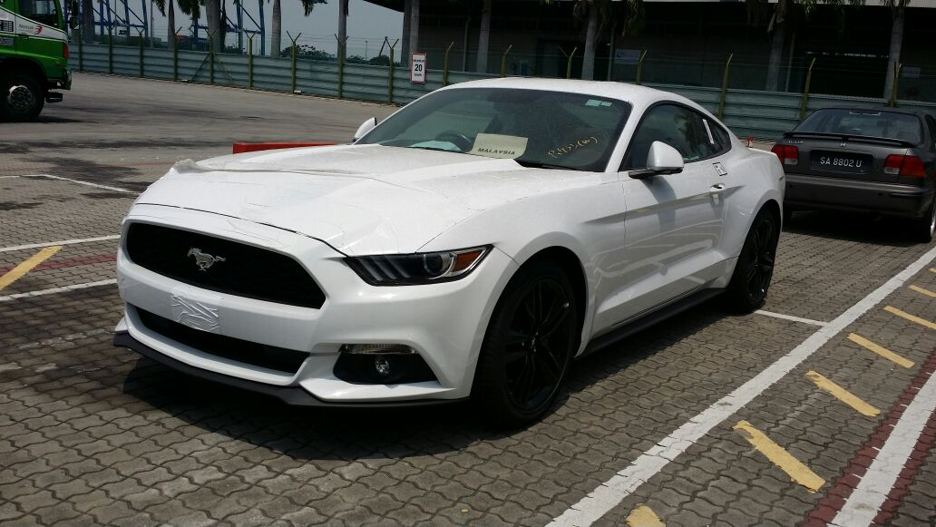2016 ford mustang spotted in malaysia 2 3 litre ecoboost and 5 0 litre gt v8 variants in four. Black Bedroom Furniture Sets. Home Design Ideas