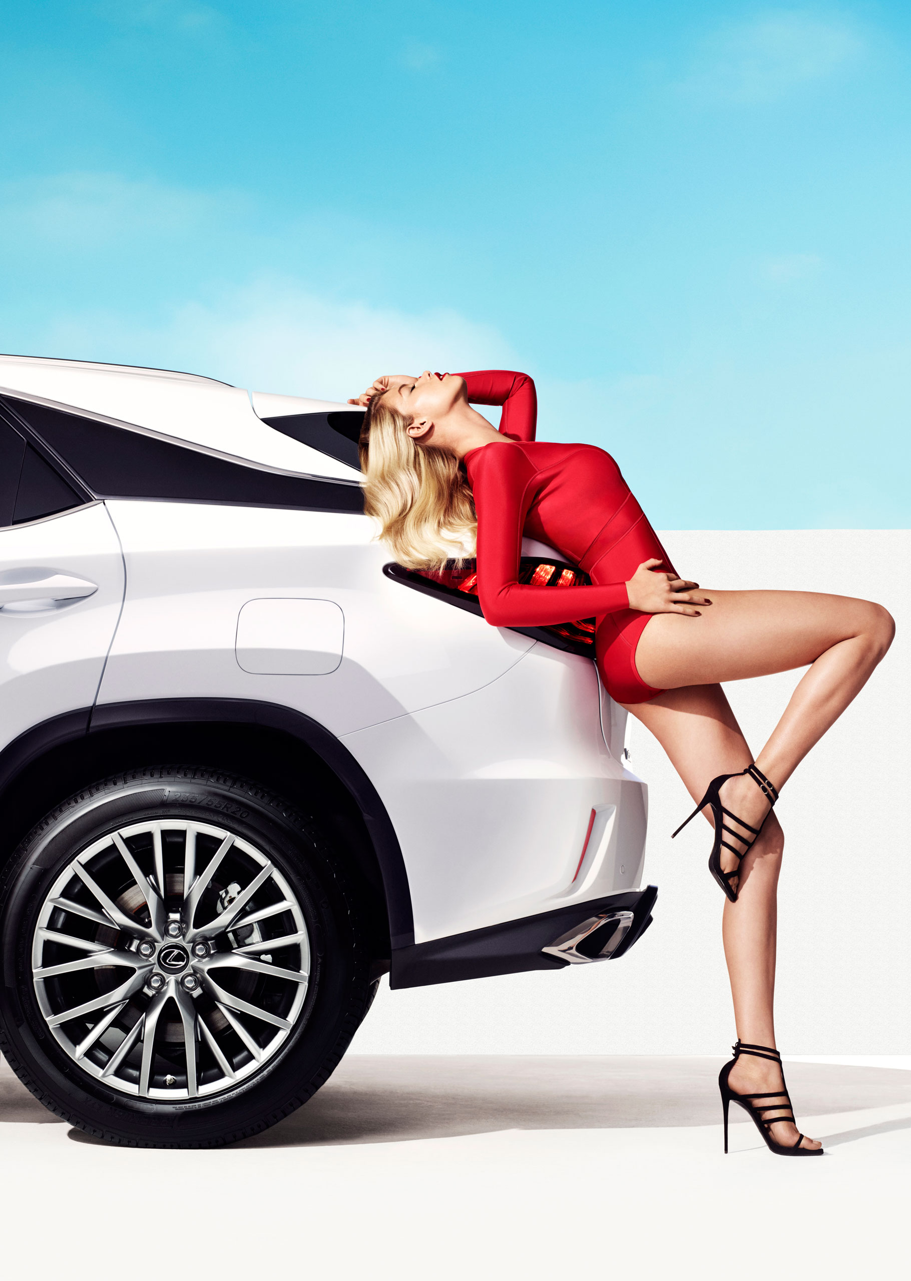 Video Lexus Rx F Sport And Si Model Hailey Clauson Image