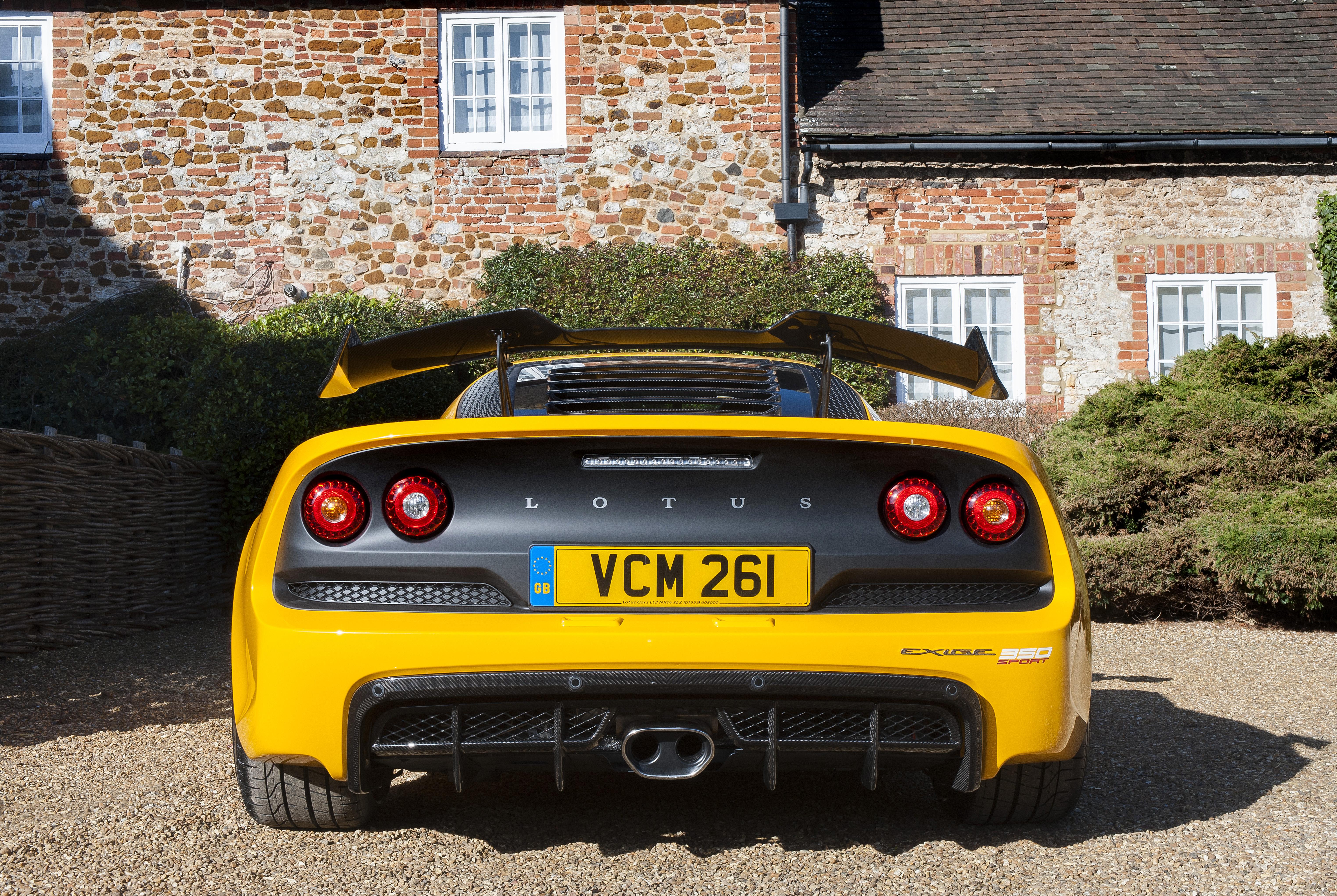 https://s3.paultan.org/image/2016/03/Lotus-Exige-350-Sport-Roadster-5.jpg