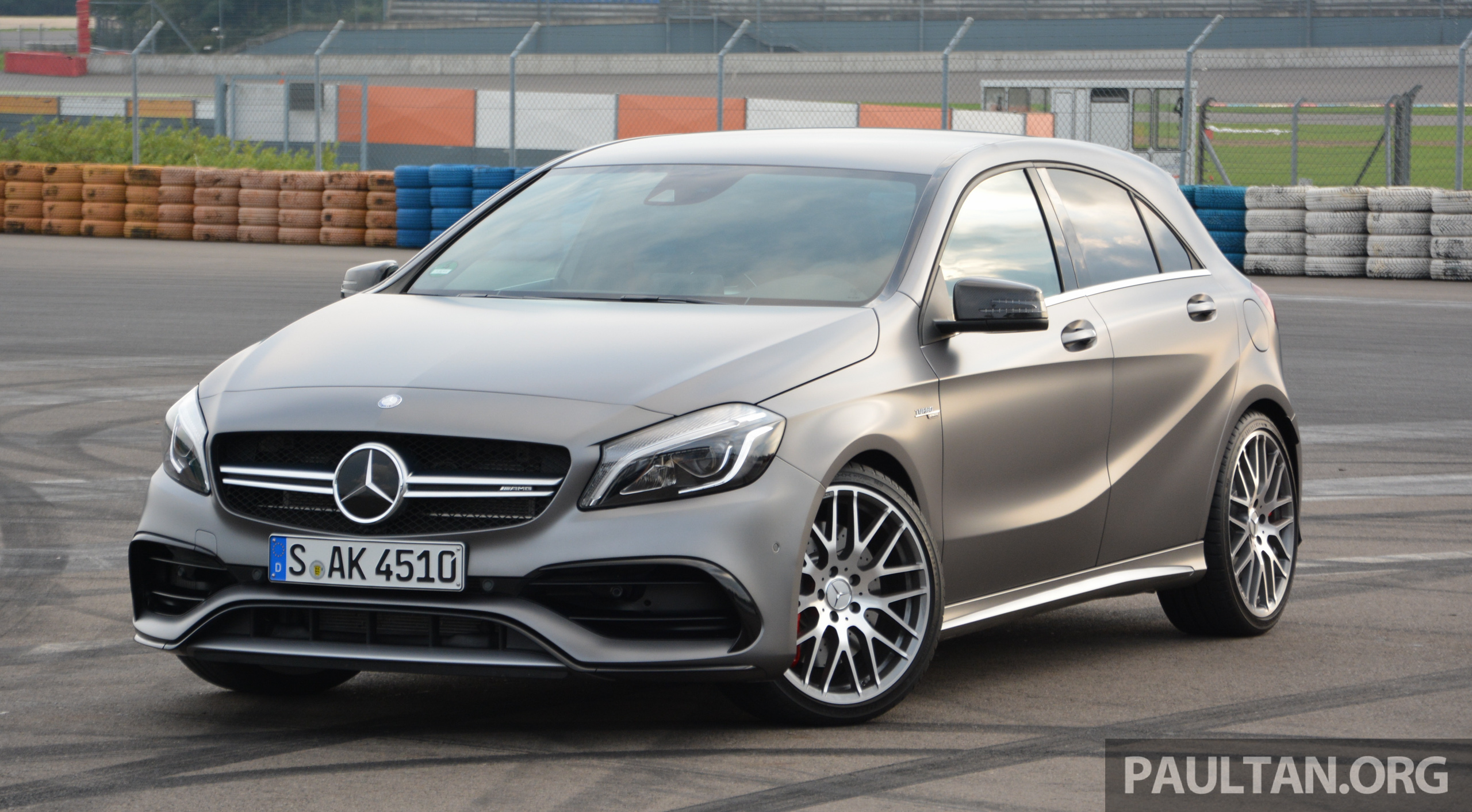 driven w176 mercedes benz a class facelift a220d a250 sport and a45 sampled in dresden. Black Bedroom Furniture Sets. Home Design Ideas
