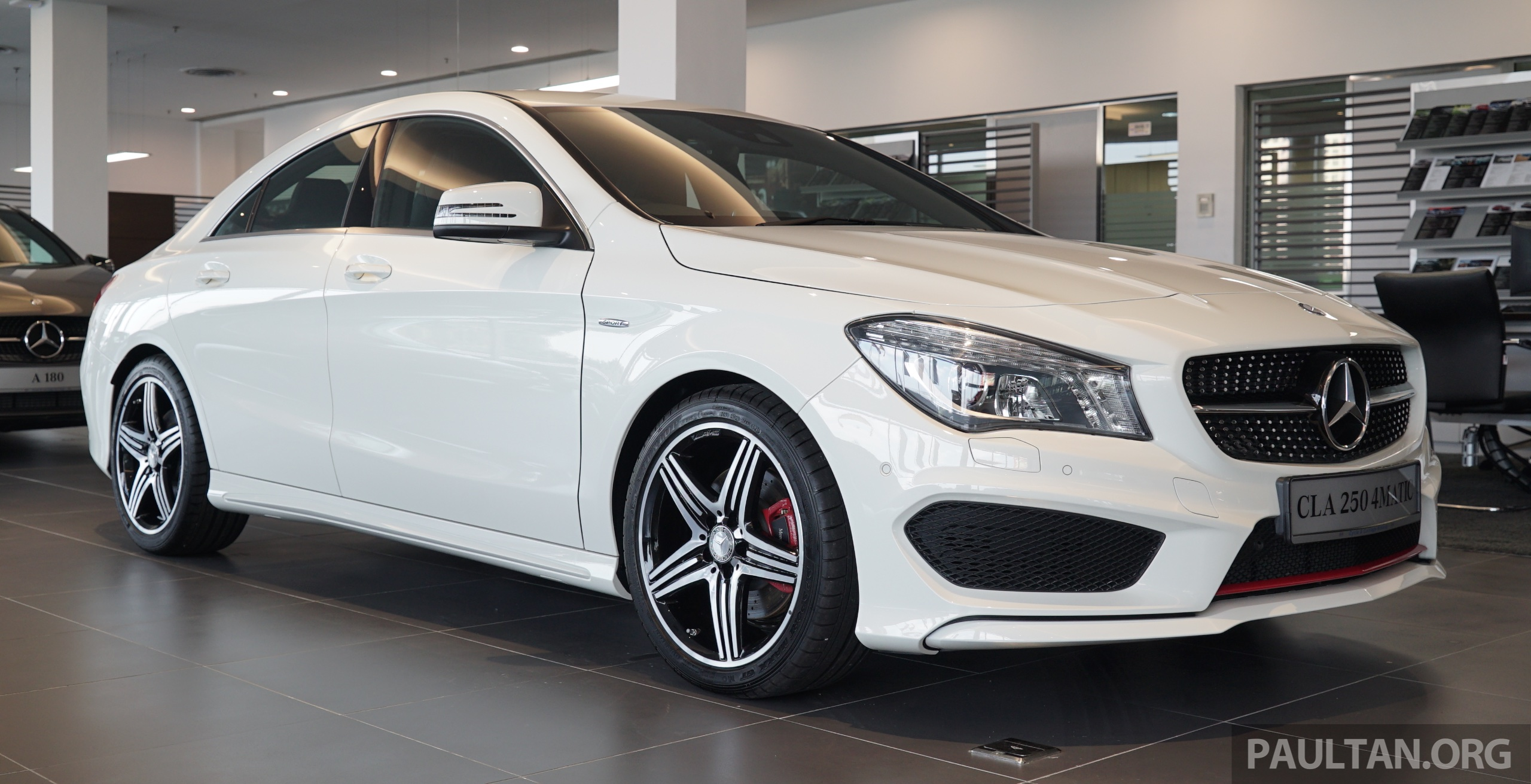 mercedes benz cla250 sport 4matic in m sia rm269k image. Black Bedroom Furniture Sets. Home Design Ideas