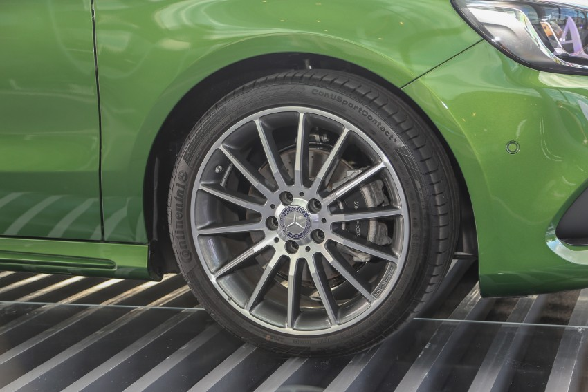 Mercedes-Benz A-Class facelift debuts: A180 Urban Line, A200 AMG Line, A250 Sport; RM196k to RM239k Image #453858