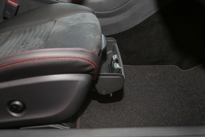 Mercedes-Benz A-Class facelift debuts: A180 Urban Line, A200 AMG Line, A250 Sport; RM196k to RM239k Image #453934