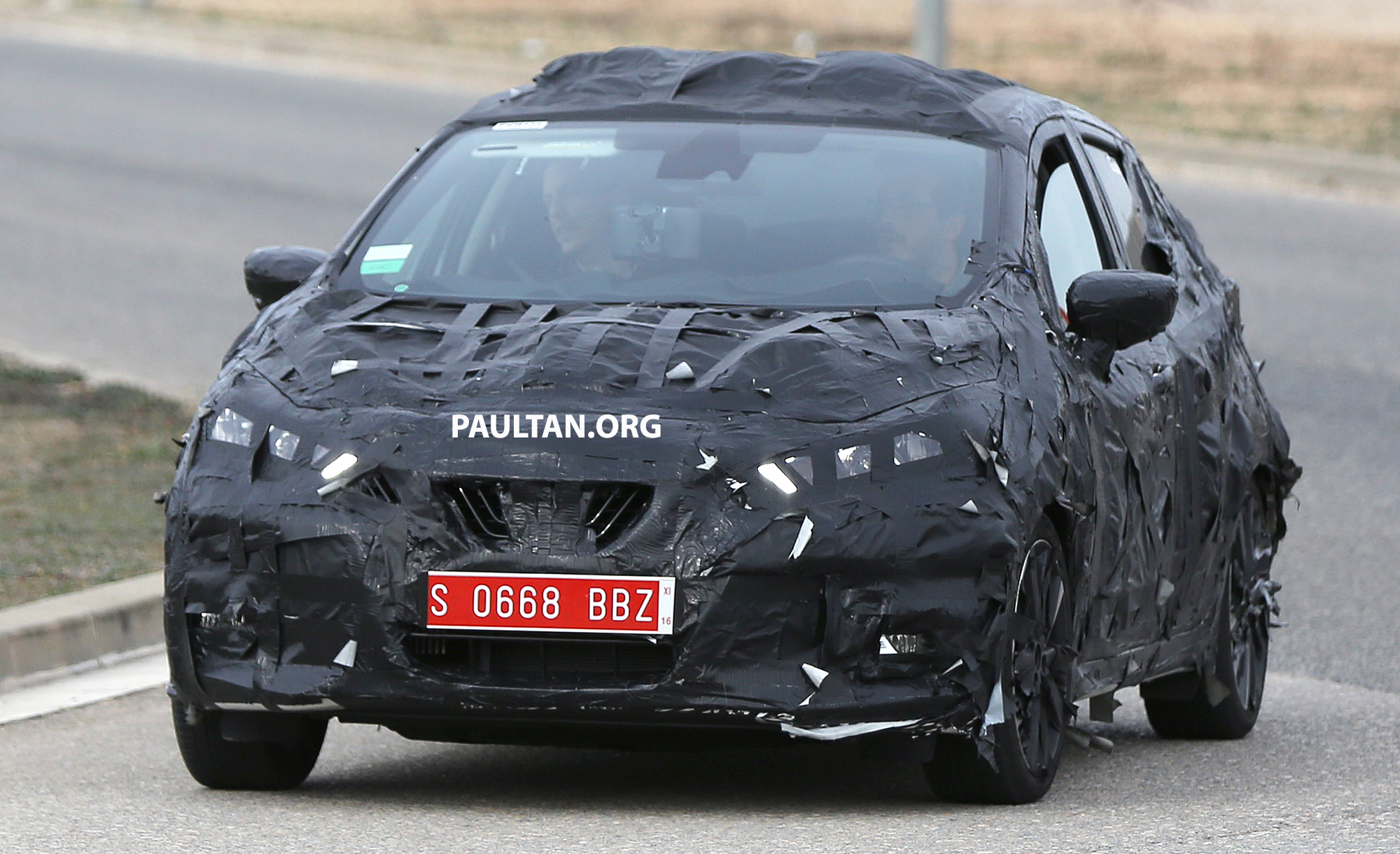 SPIED: New Nissan March to look like Sway concept Image #458907