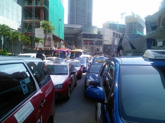 Taxi drivers protest jalan bukit bintang 1