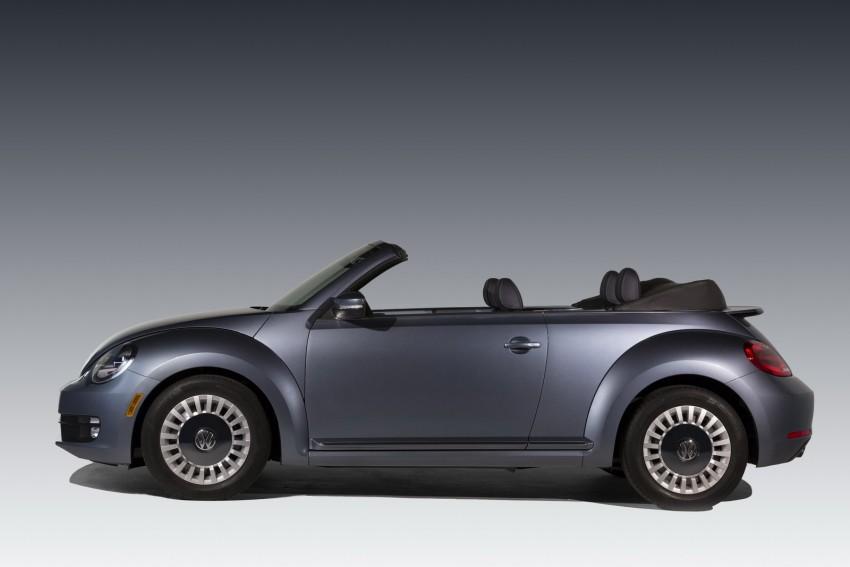 2016 Volkswagen Beetle Convertible Denim Edition Image #456279