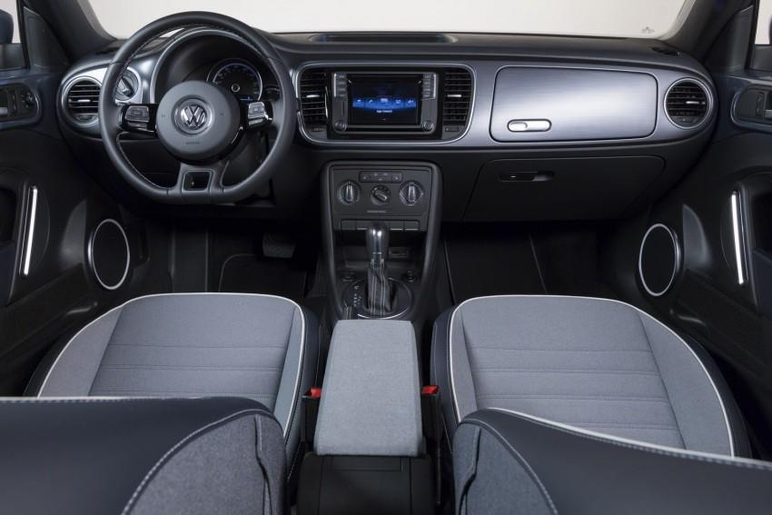 2016 Volkswagen Beetle Convertible Denim Edition Image #456283