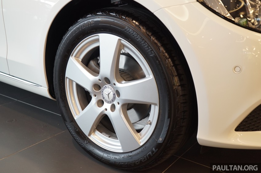 GALLERY: W205 Mercedes-Benz C180 Avantgarde and C300 AMG Line in Malaysian showroom, from RM229k Image #460797