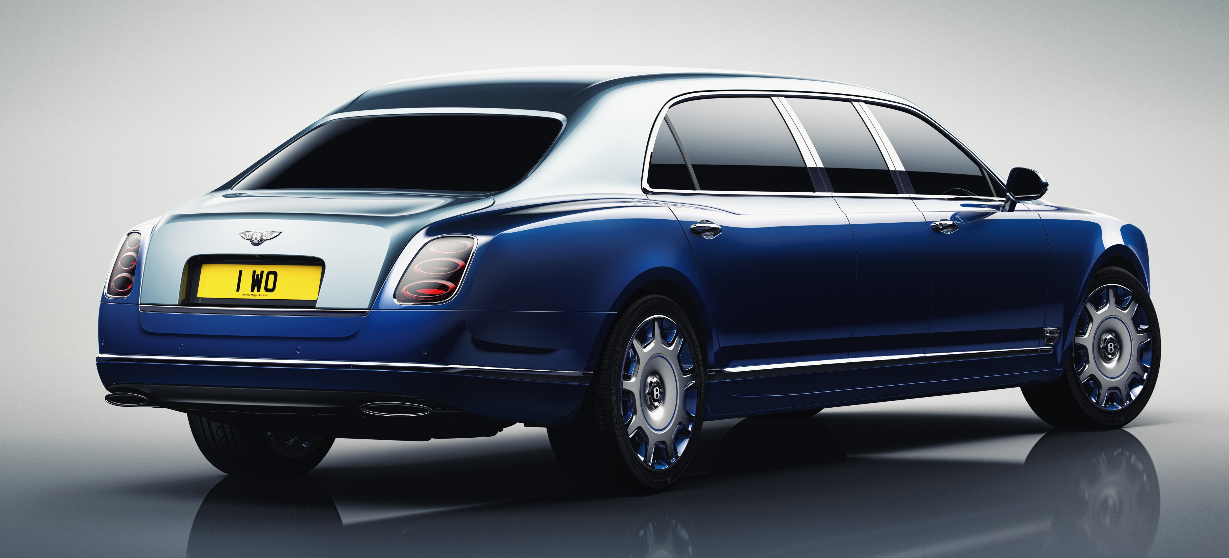 bentley mulsanne limousine with Xlwb Rear3qrtr Whitebg Rgb on Shanghai 2013 Armoured Bentley Mulssane Limousine By Carat likewise Les Rappeurs Et Leur Voiture further 17 additionally Lamborghini Diamant C3 A9 together with 05.