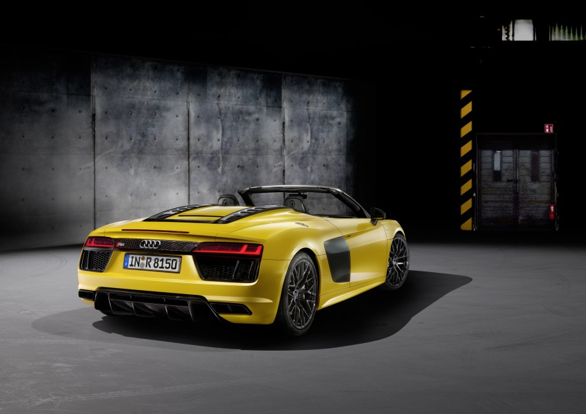 Audi R8 Spyder V10 debuts at New York Auto Show Image #465527