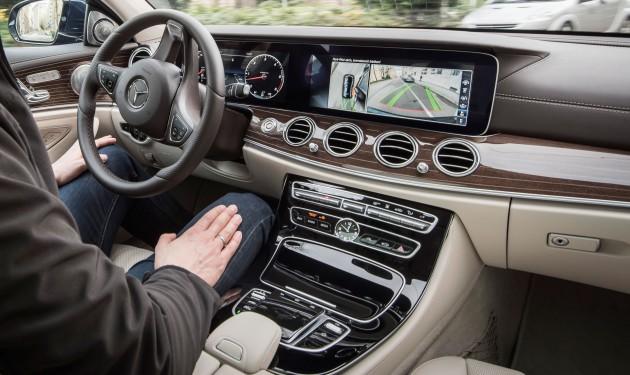 e-class-interior-handsfree