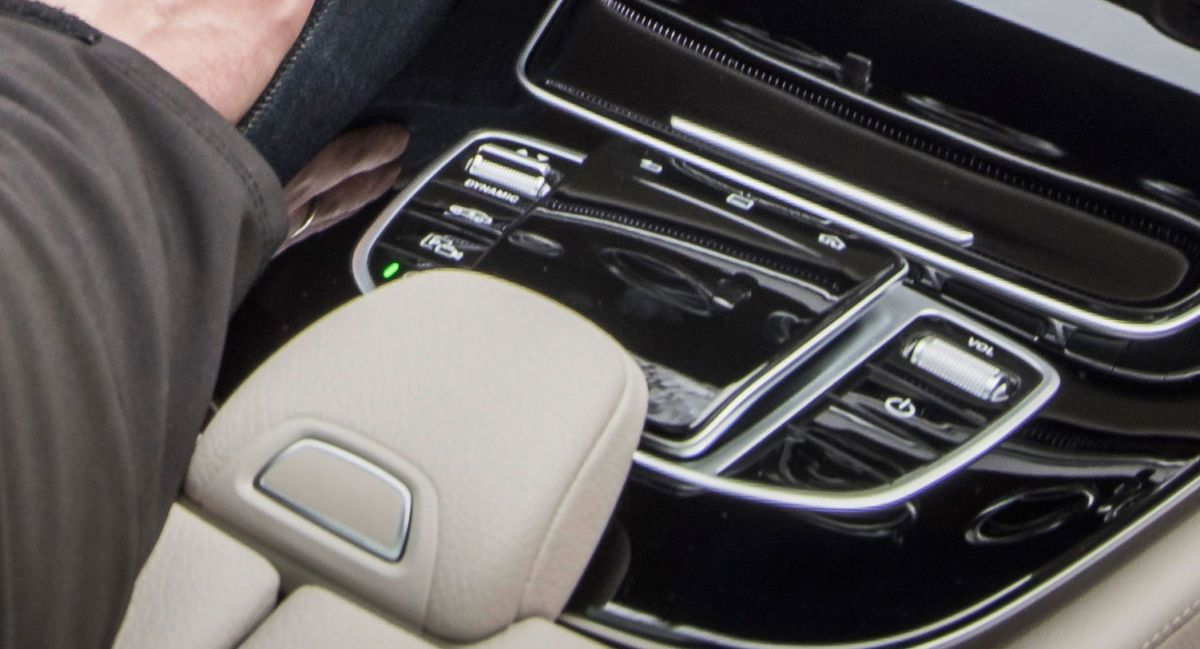 Mercedes Benz S New Comand Touchpad Controller Mysteriously Ears In The W213 E Cl