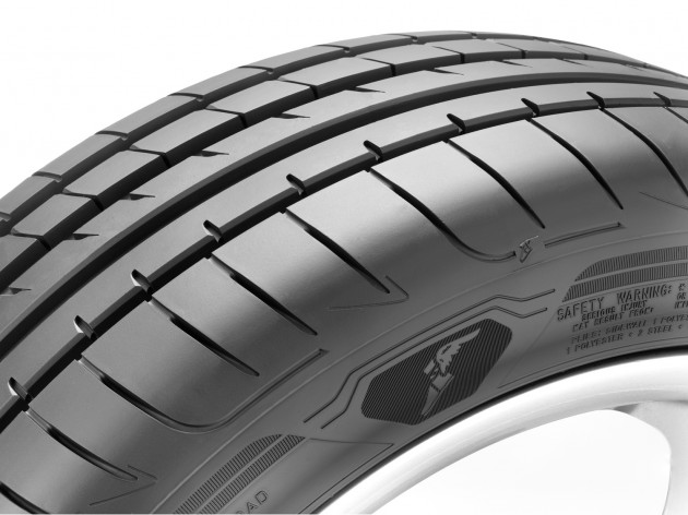 goodyear-eagle-asymmetric-3-cross-top_BM