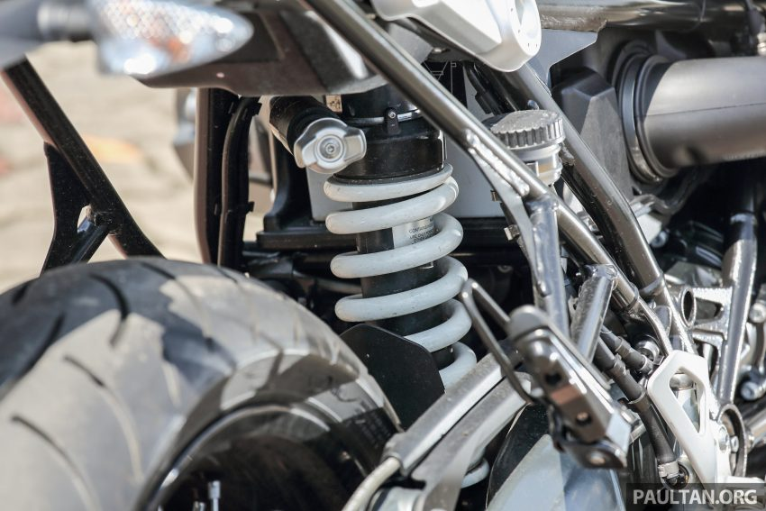 REVIEW: 2015 BMW R nineT – old-new classic custom Image #481363