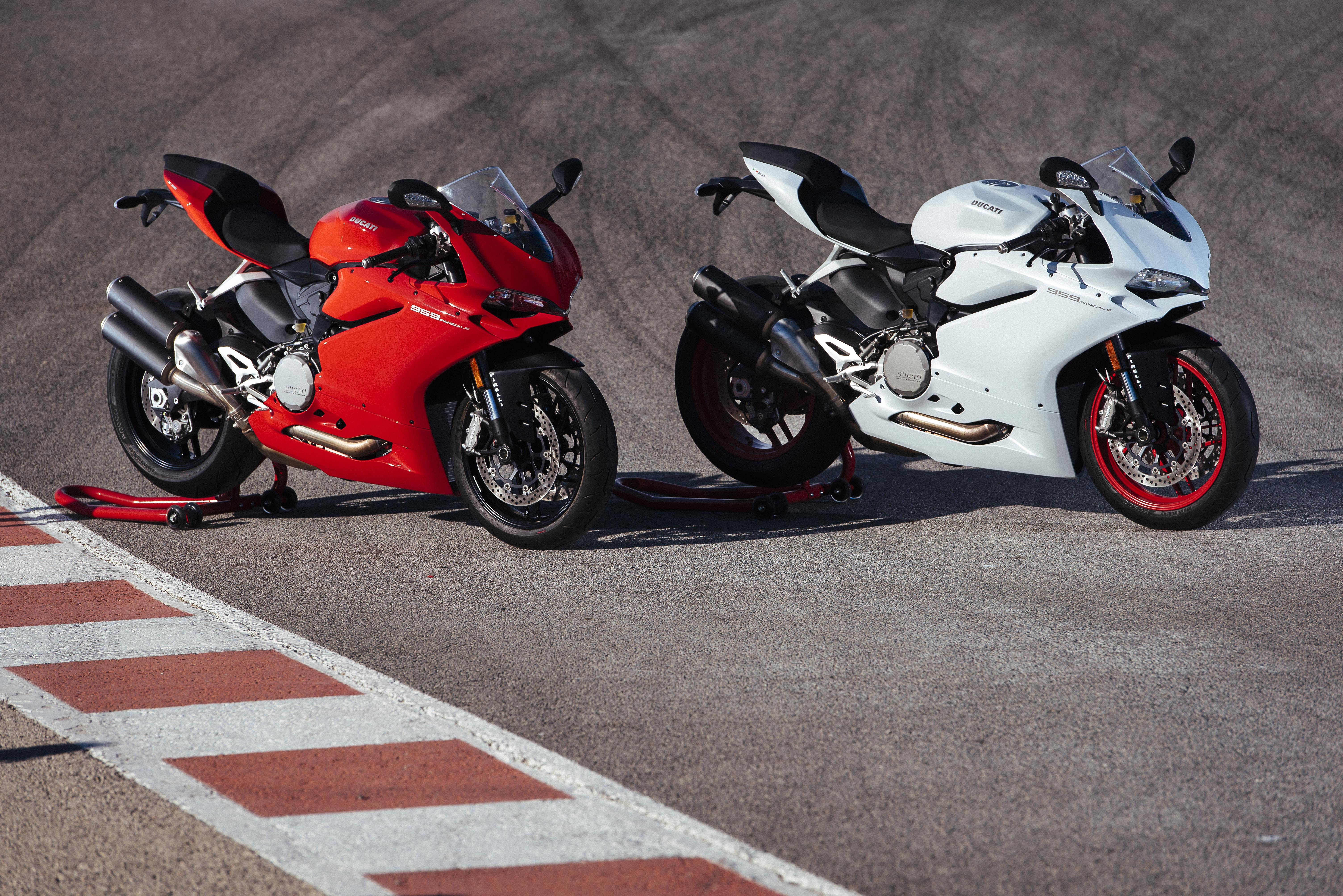 Ducati Panigale Pictures