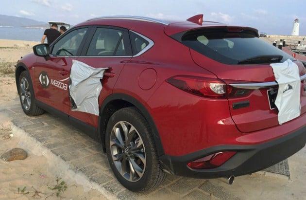 2016 Mazda CX-4 spyshots 9