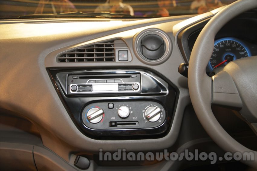 Datsun redi-GO debuts in India, to start from RM15k Image #477624