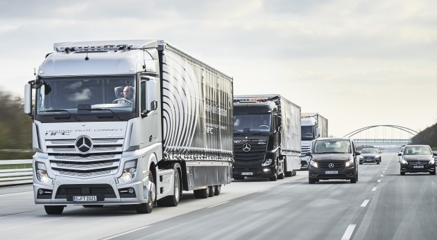 Driverless Mercedes Actros team heads to Rotterdam