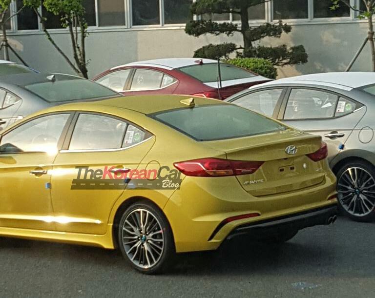 SPIED: Hyundai Elantra Sport goes public in Korea Image #481390