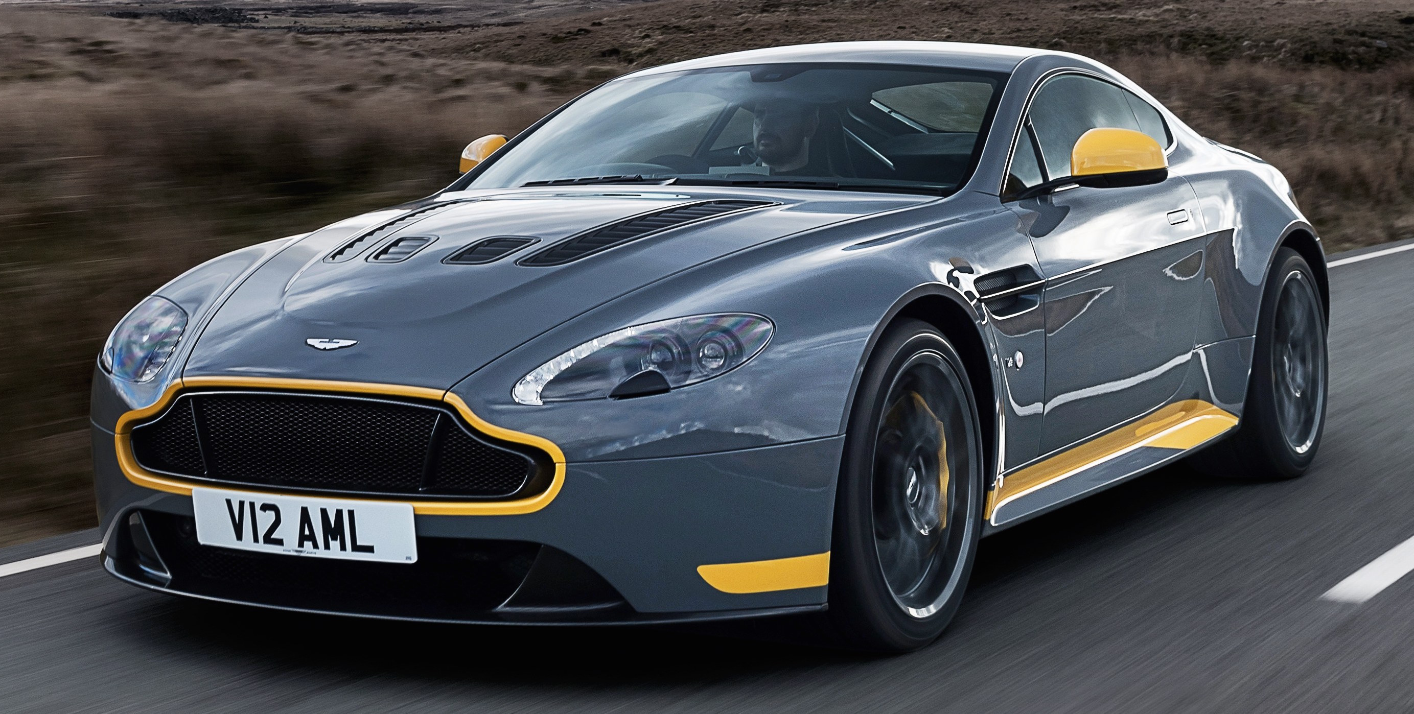 Aston martin emblem ingilizceegzersiz
