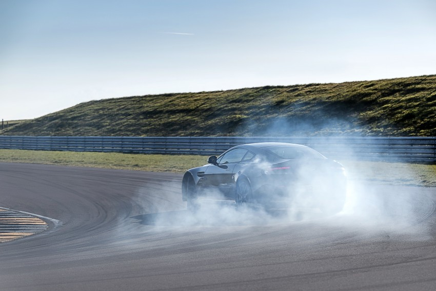 2017 Aston Martin V12 Vantage S gets 7-spd manual Image #472996