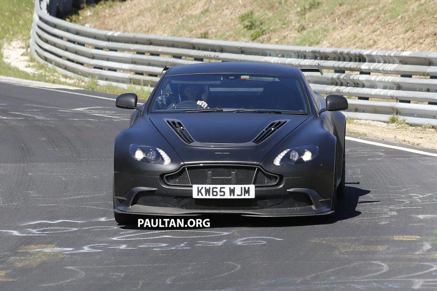 SPIED: Aston Martin Vantage GT8 testing on track Image #478331