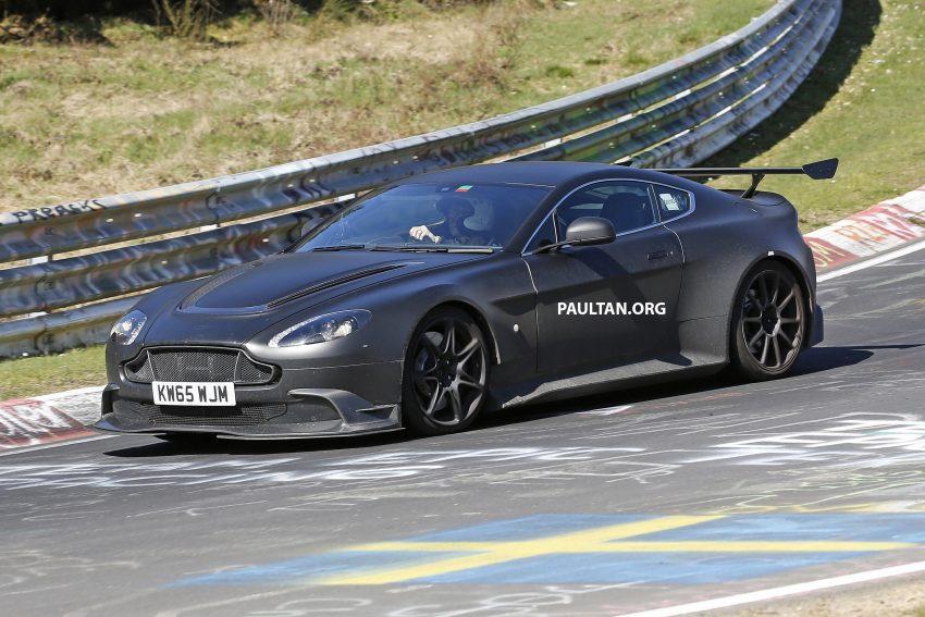 SPIED: Aston Martin Vantage GT8 testing on track Image #478333
