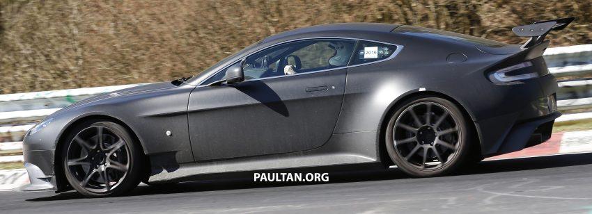 SPIED: Aston Martin Vantage GT8 testing on track Image #478318