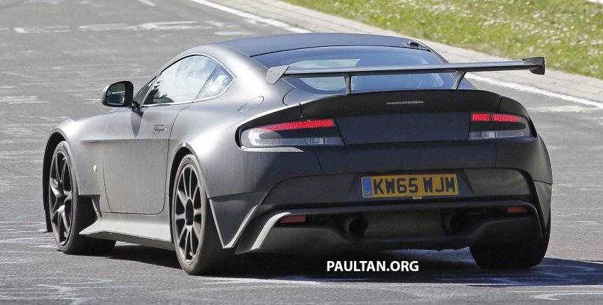 SPIED: Aston Martin Vantage GT8 testing on track Image #478319