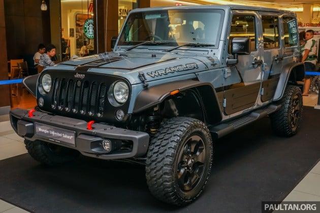 jeep wrangler unlimited sahara batwrangler one off mopar. Black Bedroom Furniture Sets. Home Design Ideas