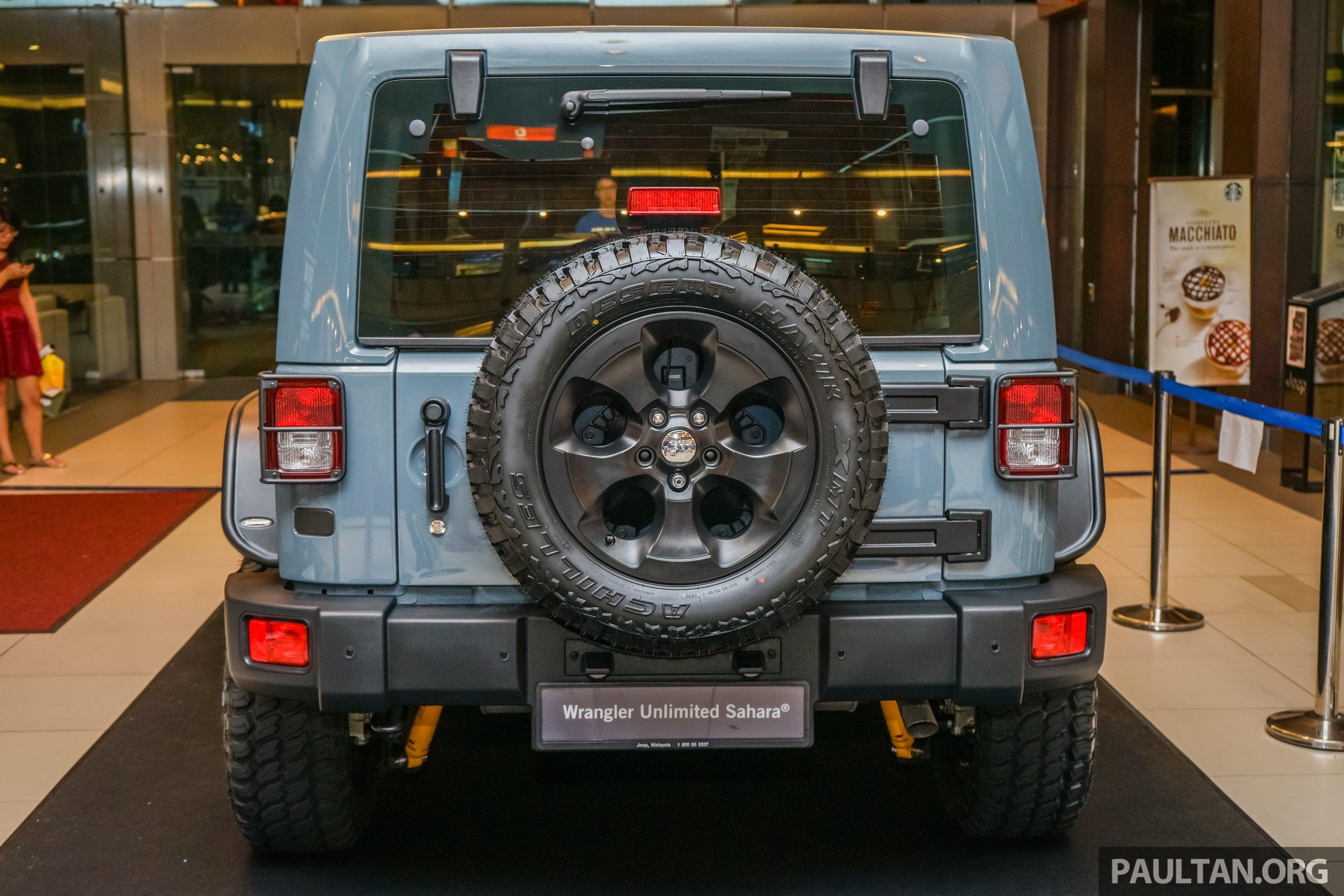 "Jeep Wrangler Unlimited Sahara ""Batwrangler"" – one off Mopar"