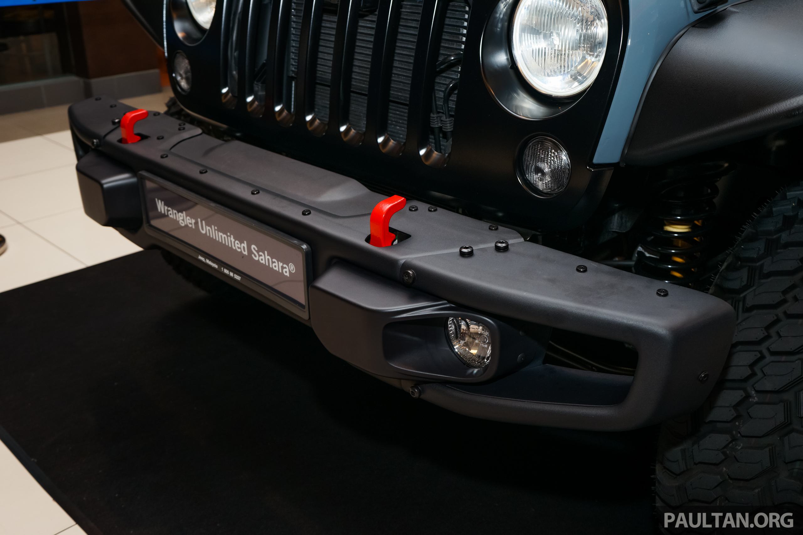 "Jeep Wrangler Paint >> Jeep Wrangler Unlimited Sahara ""Batwrangler"" – one-off, Mopar accessories, custom paint job ..."