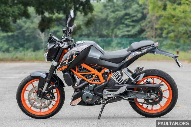 review: 2016 ktm duke 250 and rc250 - good handling and good looks