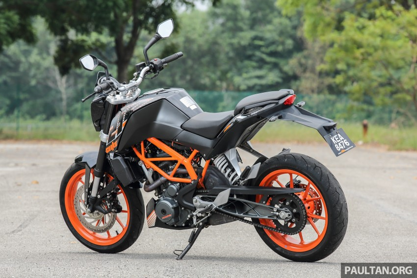 REVIEW 2016 KTM Duke 250 And RC250 Good Handling And