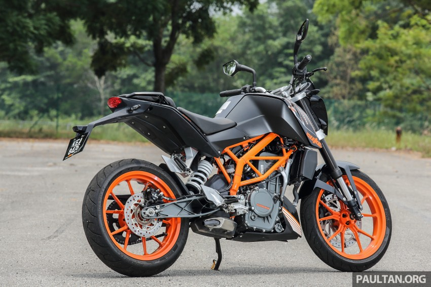 REVIEW: 2016 KTM Duke 250 and RC250 – good handling and good looks at an entry-level price Image #472576
