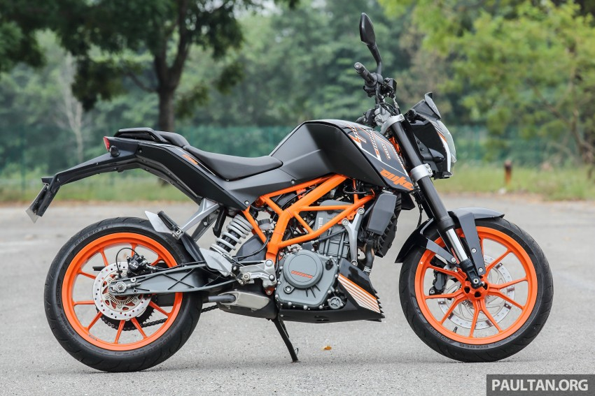 REVIEW: 2016 KTM Duke 250 and RC250 – good handling and good looks at an entry-level price Image #472582