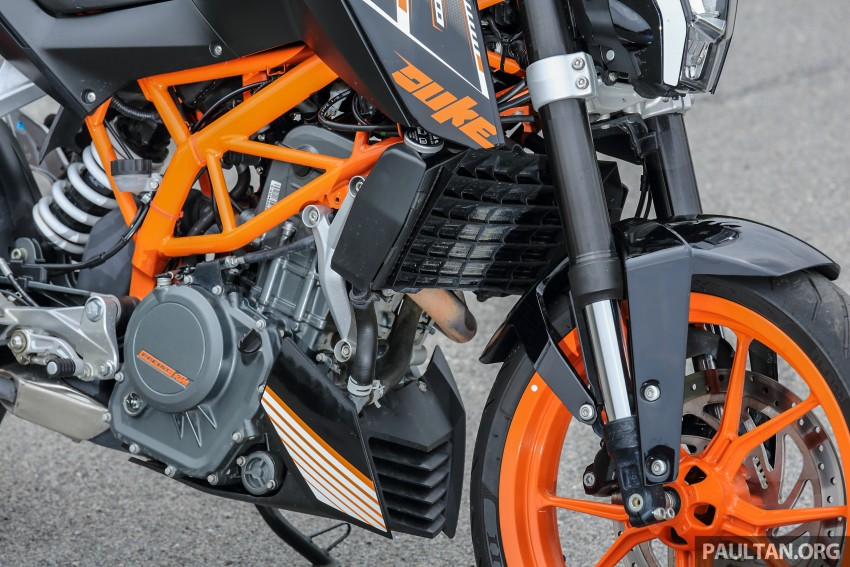 REVIEW: 2016 KTM Duke 250 and RC250 – good handling and good looks at an entry-level price Image #472583