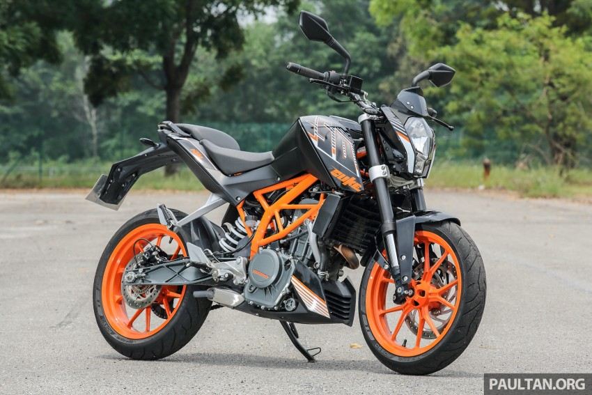 REVIEW: 2016 KTM Duke 250 and RC250 – good handling and good looks at an entry-level price Image #472584