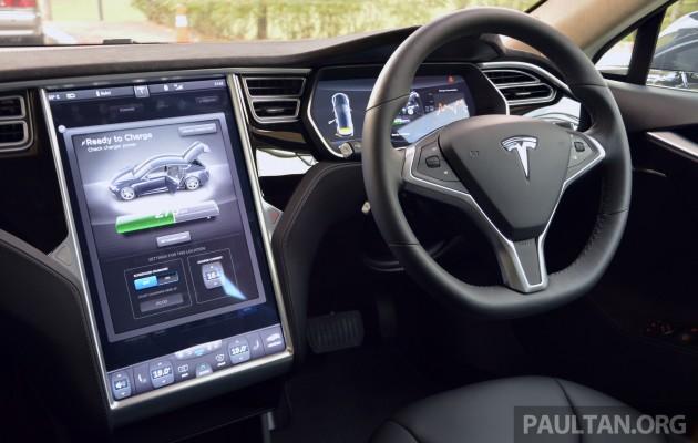 Tesla-Model-S-85-drive-9