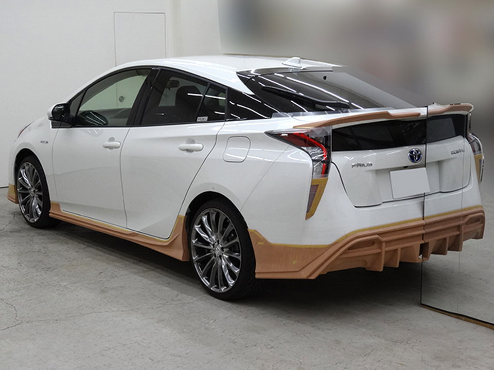 Toyota Prius Teased Again With Wald S Sport Line Kit Image 480980