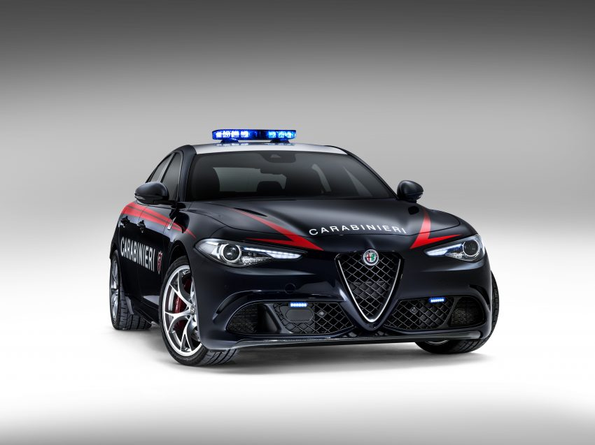 Alfa Romeo Giulia Quadrifoglio joins Italian Carabinieri Image #489045