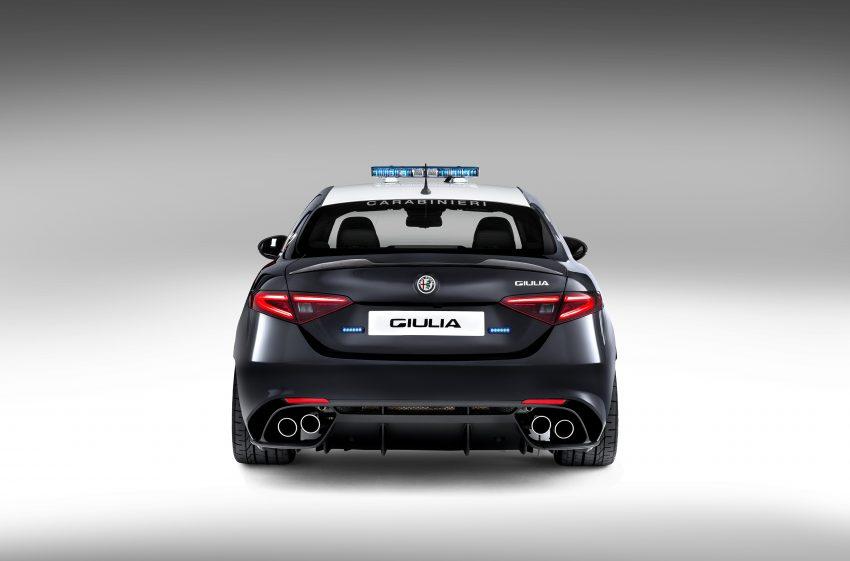 Alfa Romeo Giulia Quadrifoglio joins Italian Carabinieri Image #489075