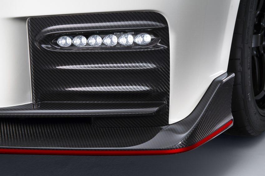 Nissan GT-R Nismo 2017 diperkenalkan – talaan pada sistem pengendalian, gaya keseluruhan dipertingkat Image #500286